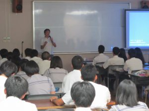 名護高校での授業の様子